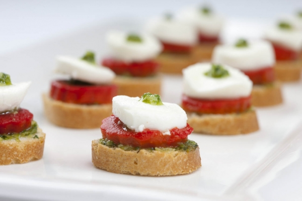 Veggie canapes alistair hugo london caterers london for Canape catering london