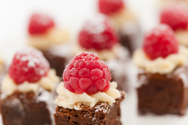Sweet canapes alistair hugo london caterers london for Sweet canape ideas