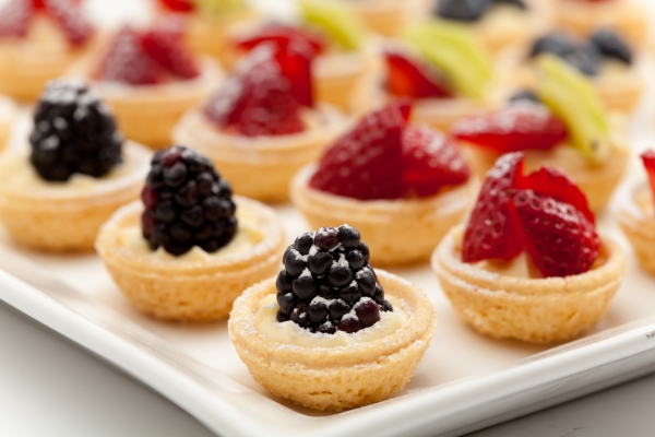 Sweet canapes alistair hugo london caterers london for Canape menu prices