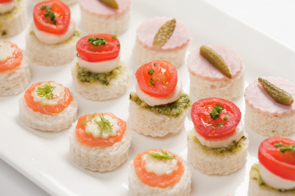 Mixed canapes alistair hugo london caterers london for Canape catering london